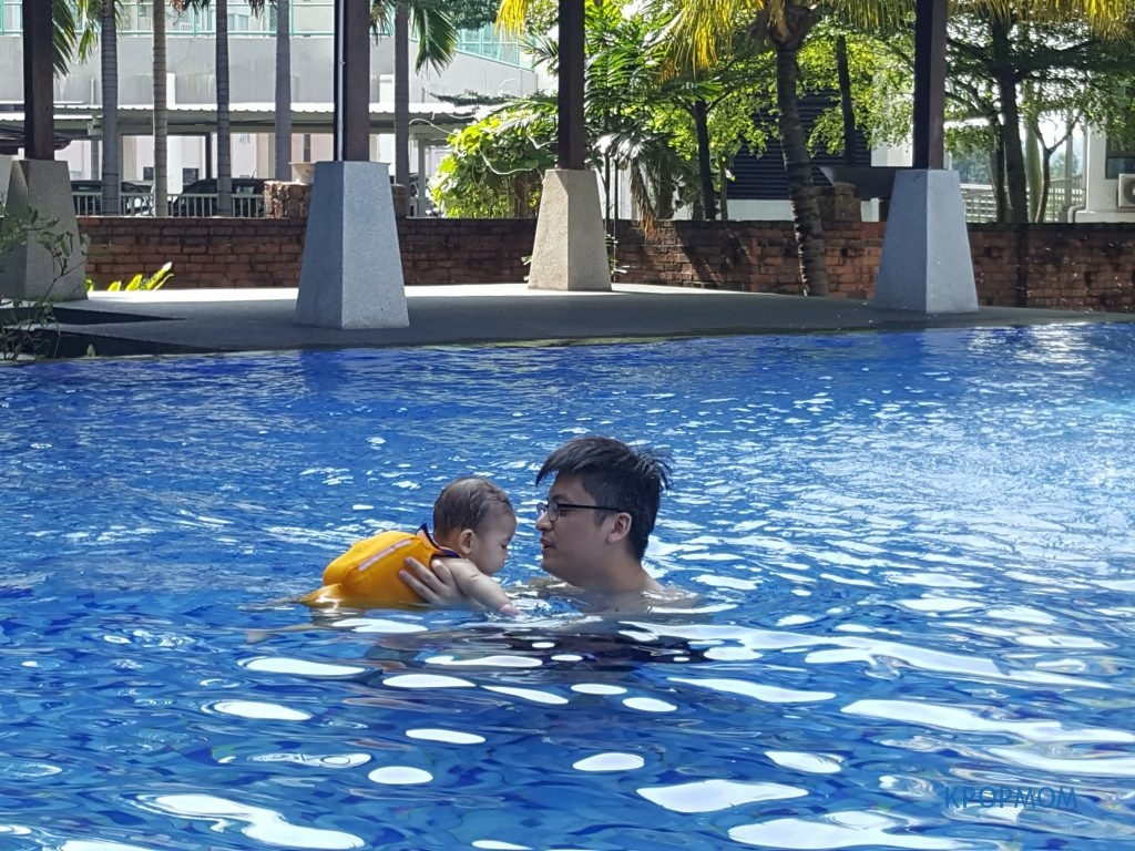 Not just mommy but daddy bonding time too. As a breastfeeding mom, I think we spend a lot of skin-to-skin and bonding time with our baby. It is good that daddy also gets some bonding time with baby
