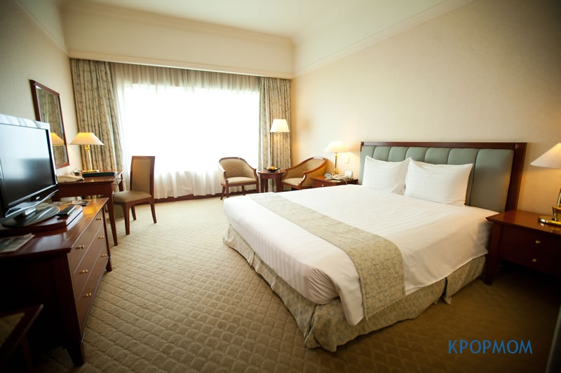 We booked the Deluxe Room with sea view. This is how the room looks like, very clean and well maintained.