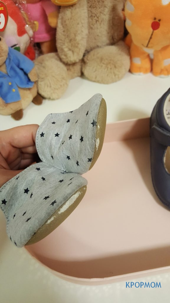 However once they start to walk, this is what happened to the shoes. The sole is too thin to protect the baby's feet if they are walking a lot.